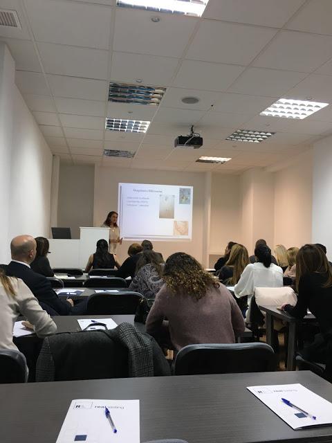 Dra. Elena Ruperez en la presentación teórica